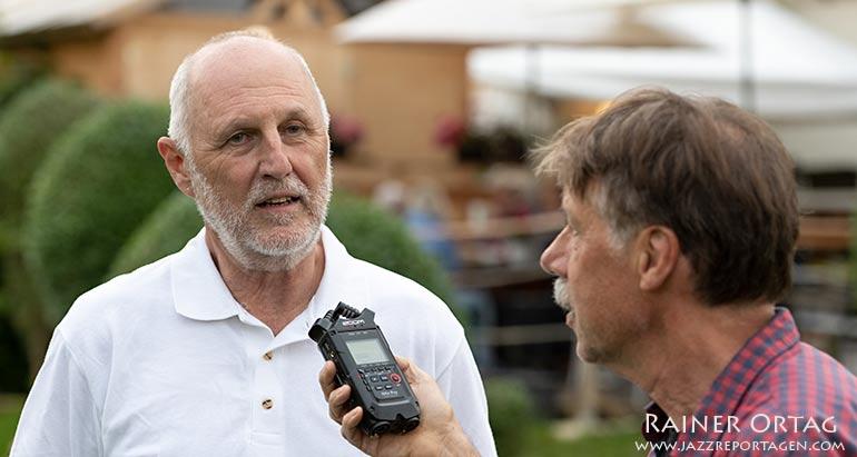 Interview mit Eckhart Fischer beim 1. Esslinger Alphorngipfel 2021 beim Dulkhäusle