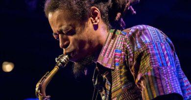 Irwin Hall mit Jazzmeia Horn im Jazzclub Bix bei der jazzopen Stuttgart 2019
