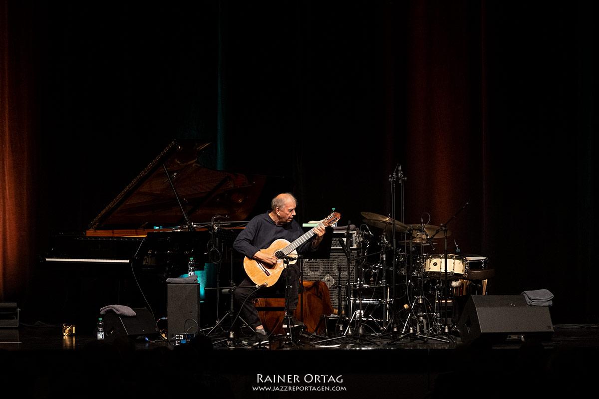 Ein Abend für Eberhard Weber mit Shai Maestro Trio und Ralph Towner solo beim Jazzfestival Esslingen