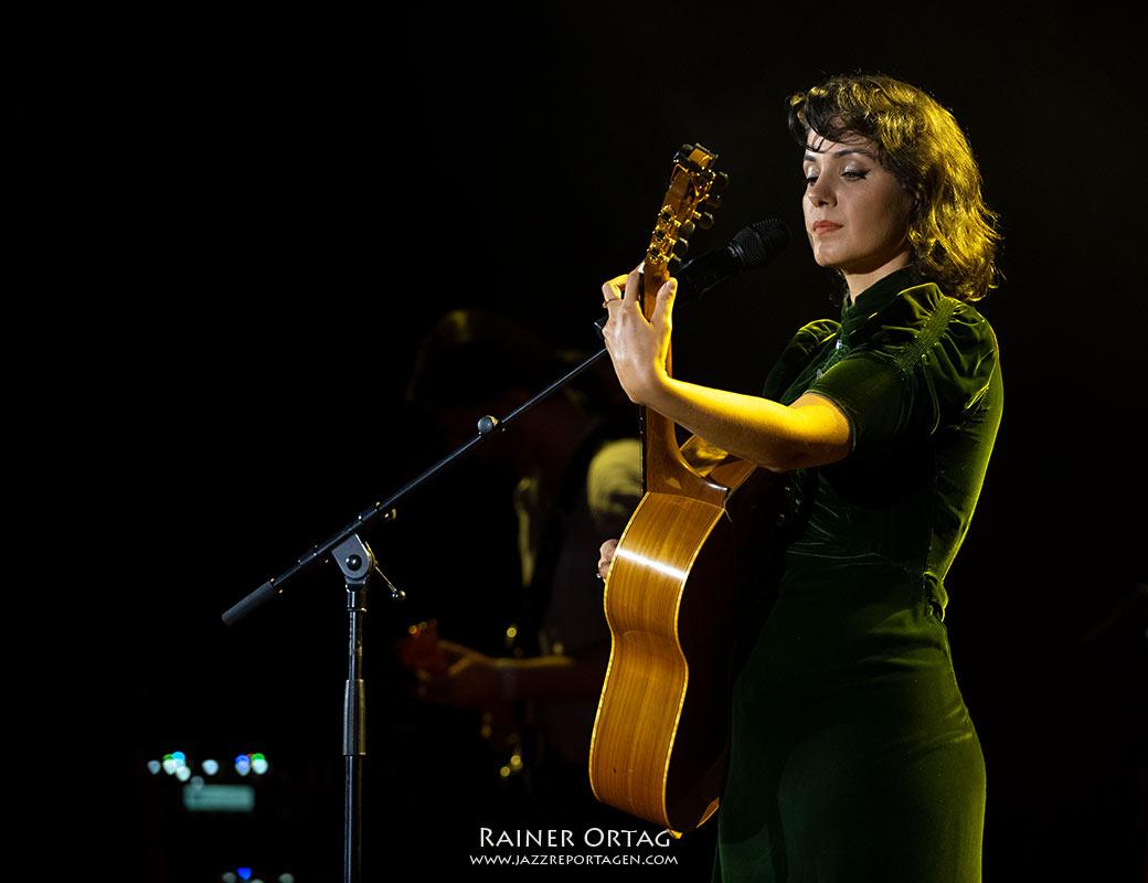 Katie Melua bei der jazzopen Stuttgart 2021