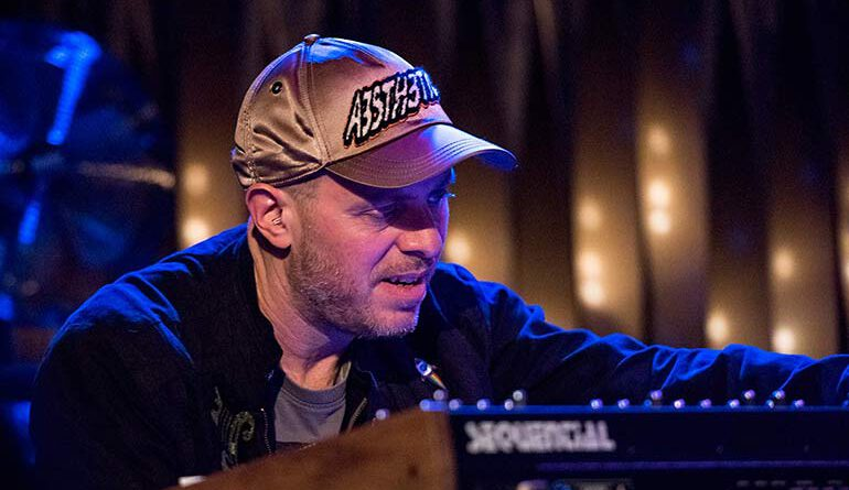 Jason Lindner mit Donny McCaslin bei der jazzopen Stuttgart im Jazzclub Bix 2019