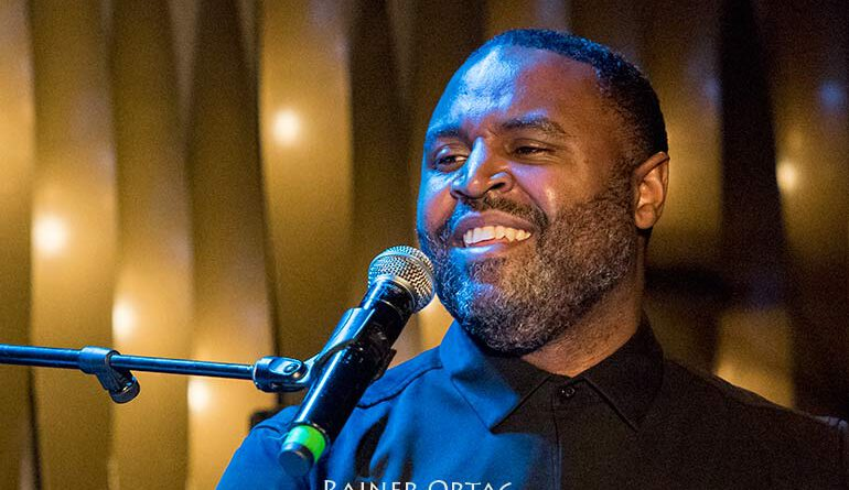 Kendrick Scott mit seinem Project Oracle im Jazzclub Bix Stuttgart 2020