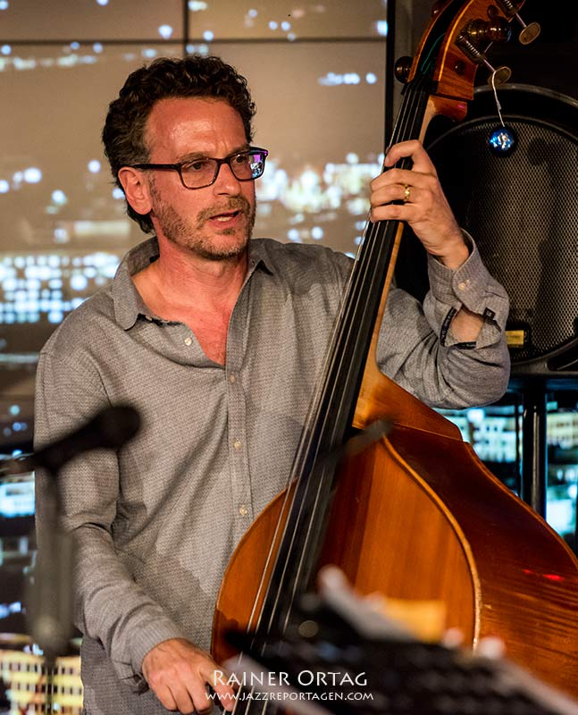 Larry Grenadier mit dem Pérez Cohen Potter Quintet bei der jazzopen Stuttgart 2019