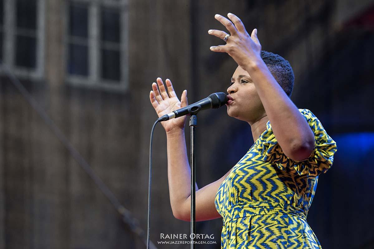Lizz Wright bei der jazzopen Stuttgart 2019, Sing The Truth