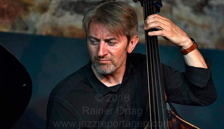 Martin Gjakonovski mit dem Denis Gäbel Quartet im Jazzkeller Esslingen 2018
