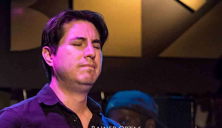 Michael Moreno mit Kendrick Scott Oracle im Jazzclub Bix Stuttgart 2020