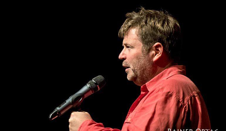 Patrick Bebelaar beim Gedenkkonzert für Herbert Joos im Theaterhaus Stuttgart 2020