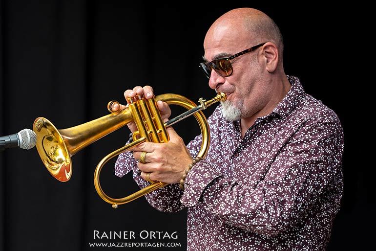 Stephane Belmondo mit The European Allstars - Jazzkeller Esslingen im Komma 2021