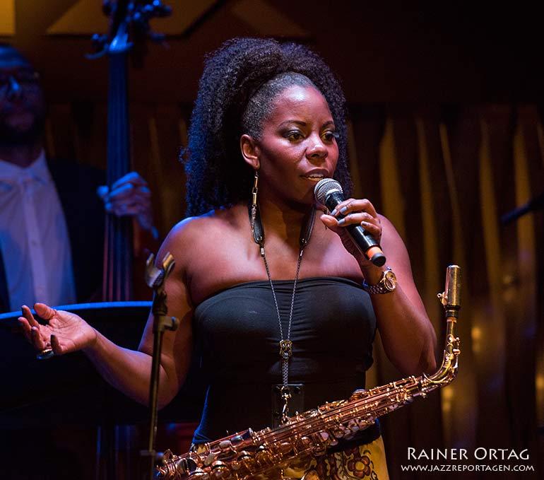 Tia Fuller im Jazzclub Bix Stuttgart 2019