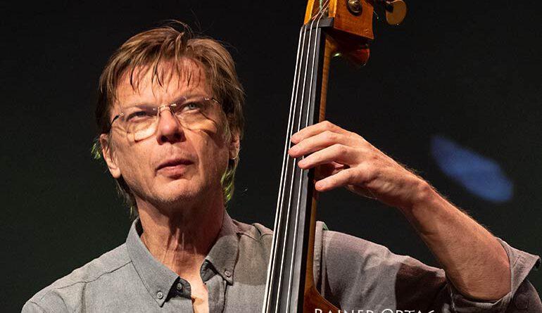 Tony Overwater mit dem Rembrandt Frerichs Trio bei der jazzahead! 2021