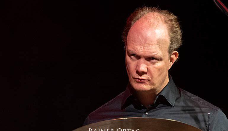 Vinsent Planjer mit dem Rembrandt Frerichs Trio bei der jazzahead! 2021