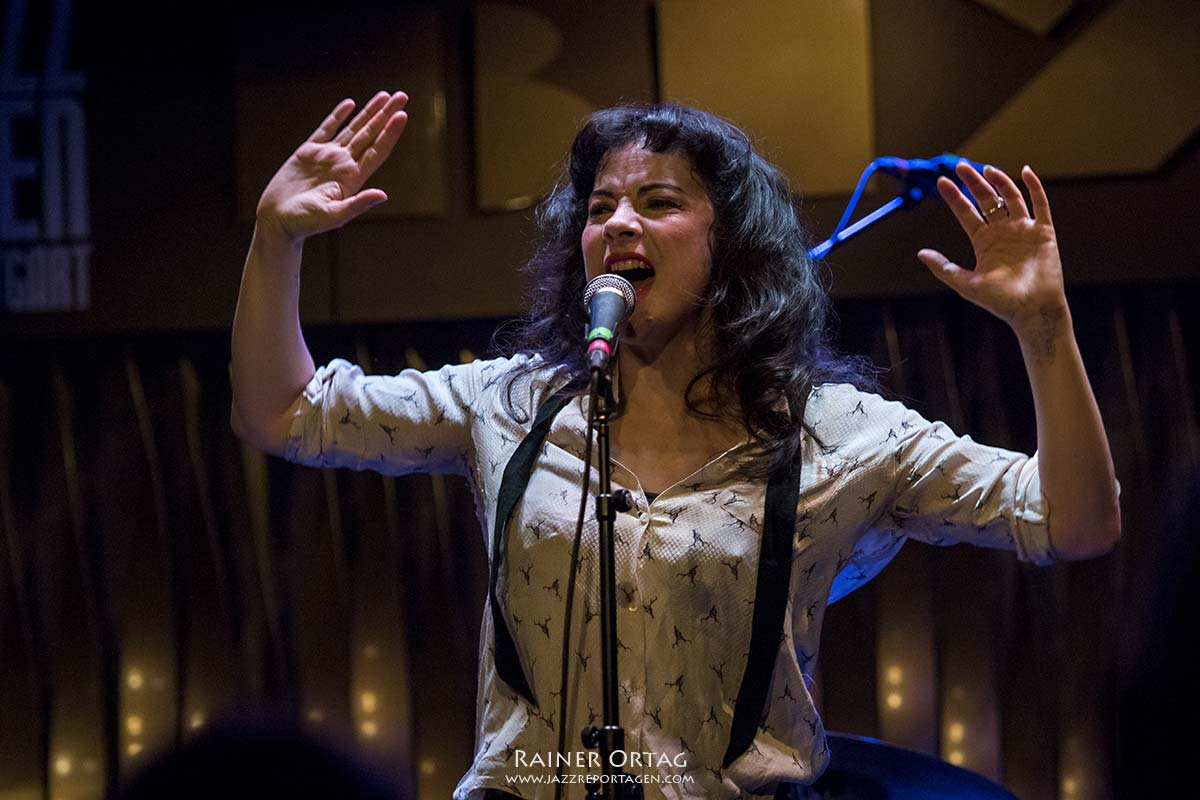 Camille O'Sullivan im Jazzclub Bix bei der jazzopen Stuttgart 2019