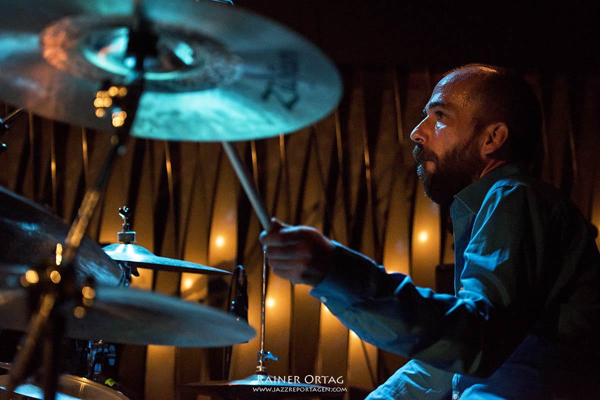 Hendrik Smock mit der Simon Oslender Band im Jazzclub Bix Stuttgart 2020