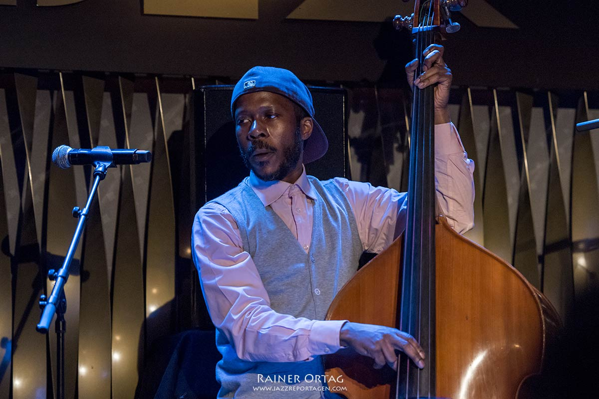 Kendrick Scott Oracle im Jazzclub Bix