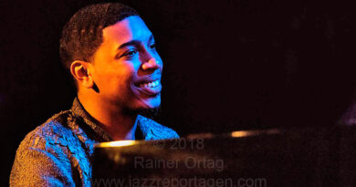 "Christian Sands - ""Facing Dragons"" im Jazzclub Bix Stuttgart 2018"