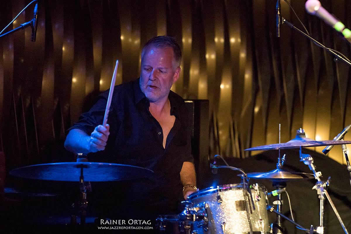 Bill Evans & The Spy Killers! bei der jazzopen Stuttgart 2019 im Jazzclub Bix