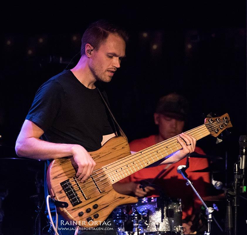 Jonah Nilsson im Jazzclub Bix bei der jazzopen Stuttgart 2019