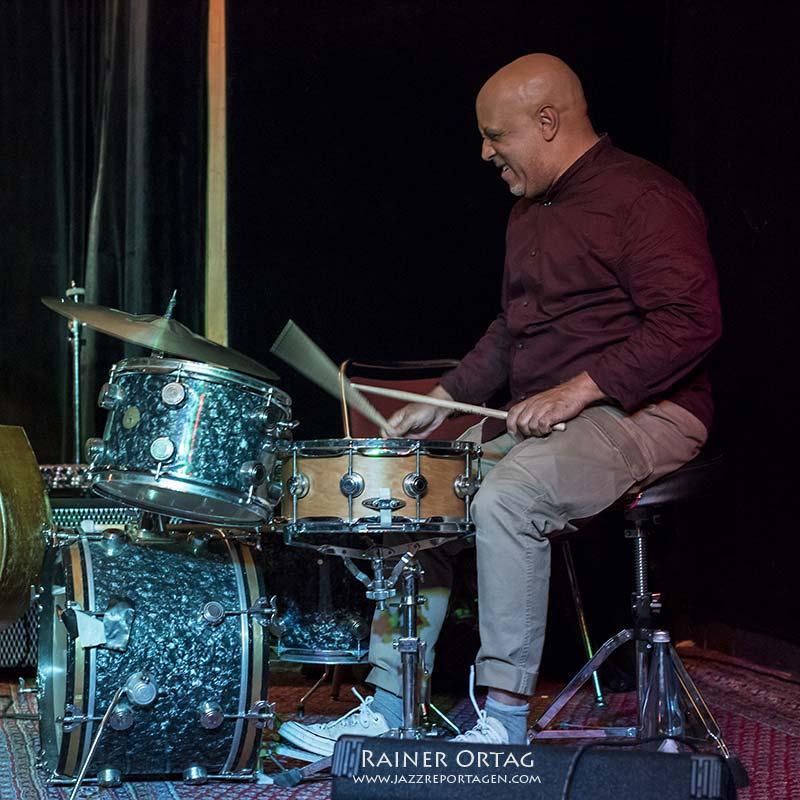 Leon Parker mit dem Peter Bernstein Quartet im Pappelgarten Reutlingen