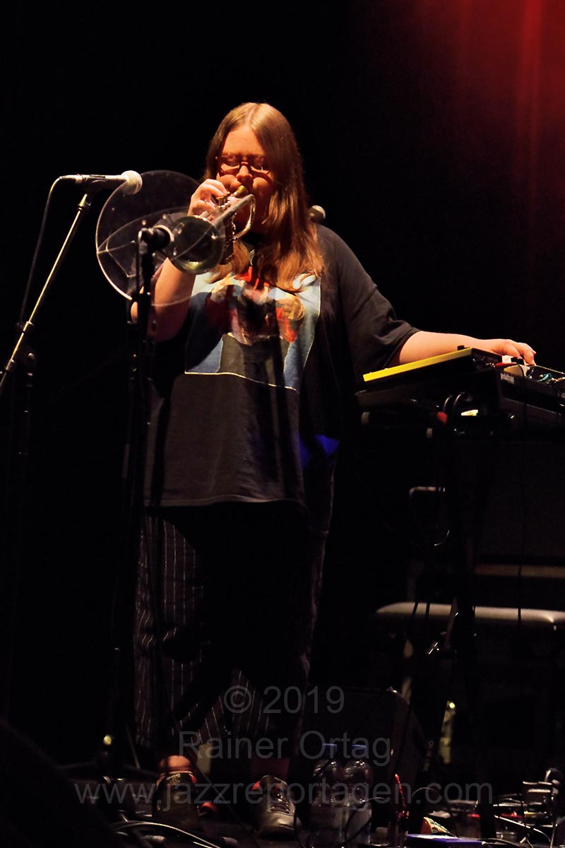 Emma-Jean Thackray's Walrus bei den Theaterhaus Jazztagen Stuttgart 2019